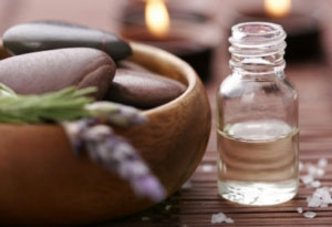 Organic Essential Oils for Massage andAromatherapy