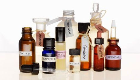 7 Essential Oils to Thicken Hair